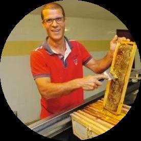 Pascal Fontaine - Producteurs de miel de Tan Rouge, Letchis et Baies Roses Bio
